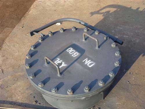 manhole of external floating roof tanks